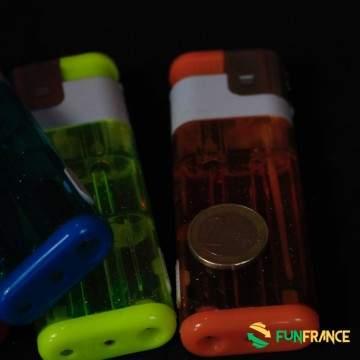 FUNFRANCE - E-Commerce Français : Briquet géant à 11,5cm avec torche LED - 3.208333€/ht - Briquet géant lumineux 11,5cm. Lumièr