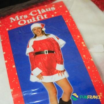 FUNFRANCE - E-Commerce Français : Déguisement mère Noël paillettes 2 pièces - 12.166667€/ht - Ce déguisement de mère Noël sexy p