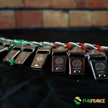 FUNFRANCE - E-Commerce Français : Sifflet métal 4cm avec tour du cou - 0.65€/ht - Siffletmétal4cm avec tour du coup. Faites du
