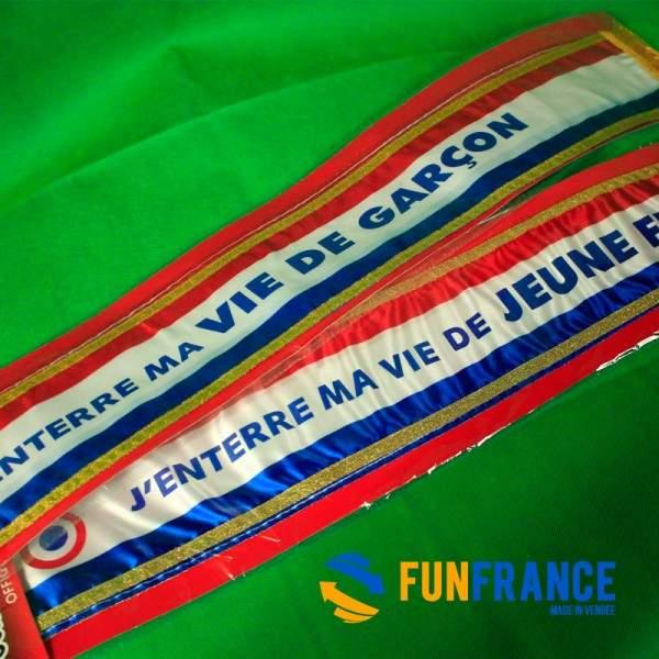"""FUNFRANCE - E-Commerce Français : Echarpe officielle """"J'enterre ma vie de jeune fille' - 8.25€/ht - Cette écharpe d'enterrement"""