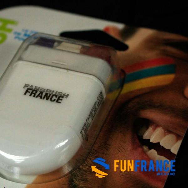 FUNFRANCE - E-Commerce Français : Maquillage FANBRUSH stick équipe de France Bleu Blanc Rouge - 3.308333€/ht - Stick bâton FANBR