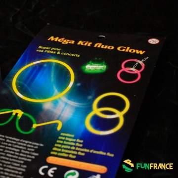 Kit FLUO lunettes boucle d'oreille et bracelets bague - FLUO - LED - LASER - Kit FLUO max. Comprend une bague fluo, une paire de