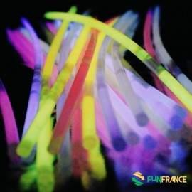 Tubes FLUO boite de 100 bracelets 5 coloris