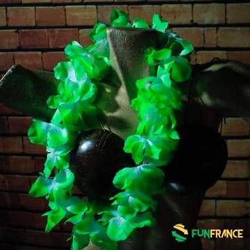 Collier fleurs Hawaï vert et blanc 11cm