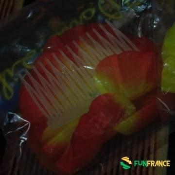 FUNFRANCE - E-Commerce Français : Fleurs pour cheveux avec peigne (3 couleurs au choix) - 1€/ht - FleurTahiti de couleur avec b