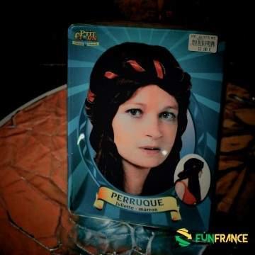 FUNFRANCE - E-Commerce Français : Perruque Juliette marron - 10.75€/ht - Perruque Juliette, marron. taille unique. Le moyen âge