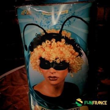 FUNFRANCE - E-Commerce Français : Perruque blonde d'abeille avec antennes - 6.583333€/ht - Déguise toi en abeille avec cette per